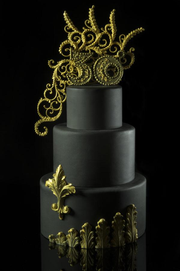 torta con decorazioni 3d con ghiaccia master icing cove